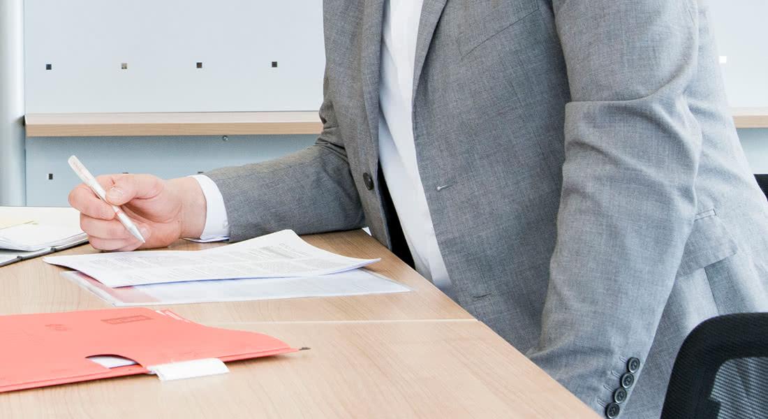directda Personal arbeitet mit Werksverträgen für Unternehmer